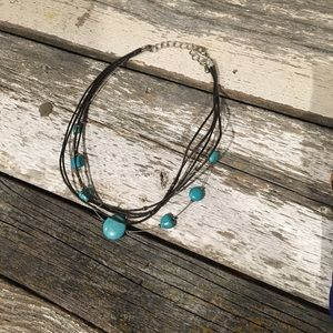 Jewelry - Chocker style necklace with turquoise beads